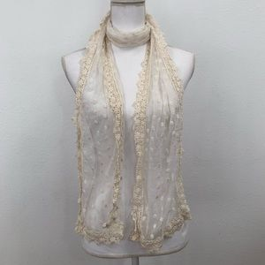 Accessories - Lace and mesh spring/summer scarf cream